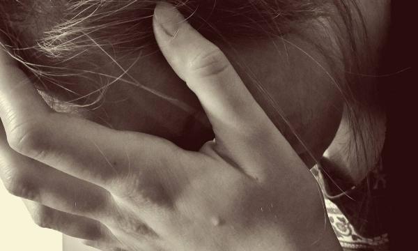 تفسير البكاء في المنام للمتزوجة للعزباء للحامل